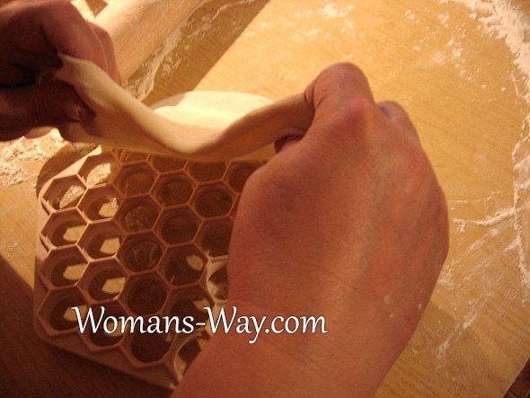 Порядок процесса изготовления пельменей в домашних условиях.